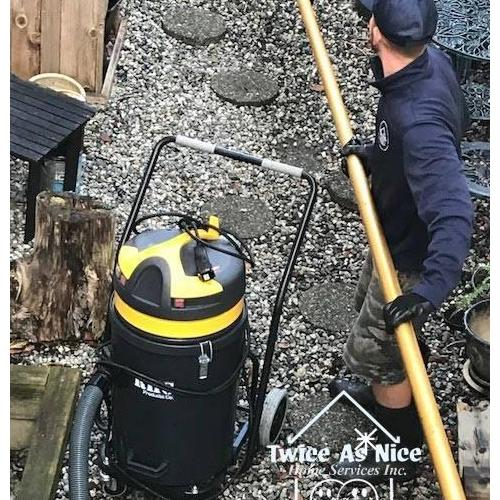 Gutter Vacuuming - When is it a Good Choice to Use it to Clean Your Gutter?